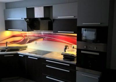 Kuchyně s grafosklem – Mikulčice